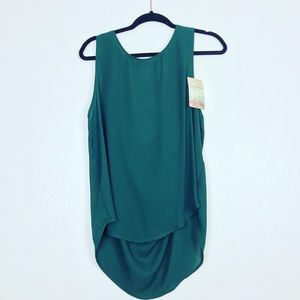 NWT Lily White Olive Green Sleeveless XL Blouse